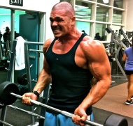 BODYBUILDER GROWING BICEPS!!!!